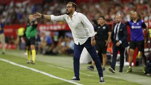 Bordalás durante el partido ante el Sevilla