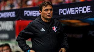 Hoyos tuvo su primera experiencia el Liga MX.