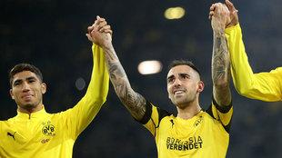 Paco Alcácer celebra su primer gol con el Borussia Dortmund.