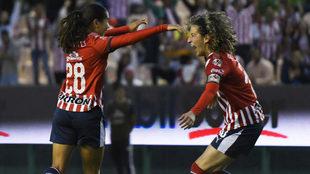 Chivas femenil marca 5 goles.
