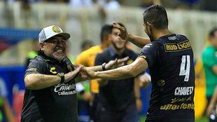 Diego Armando celebra un gol de Dorados.