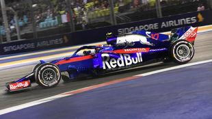 Pierre Gasly, con el Toro Rosso Honda, en el pasa do GP de Singapur.