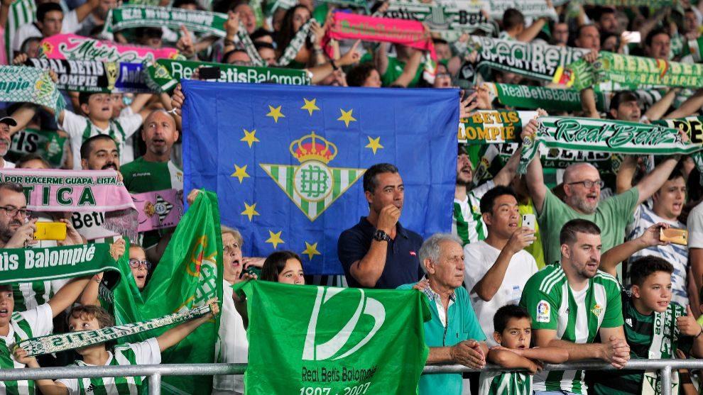 Aficionados del Betis en el estadio