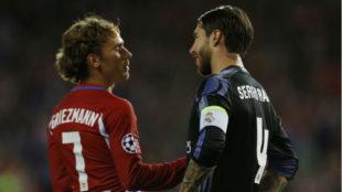 Griezmann y Ramos, durante un partido de Champions
