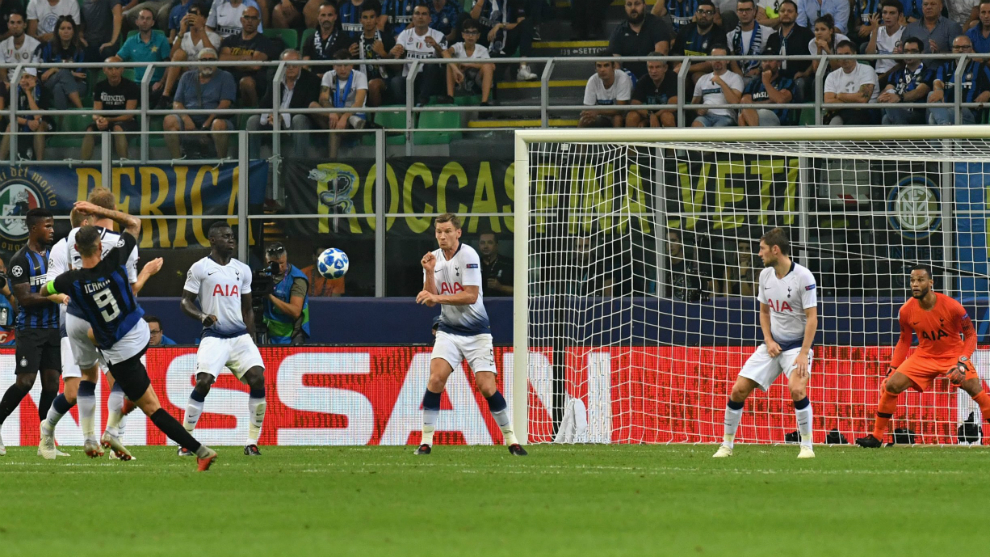 El golazo de volea de Icardi para empatar el partido