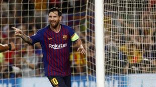 Messi celebra uno de los tres goles logrados ante el PSV.