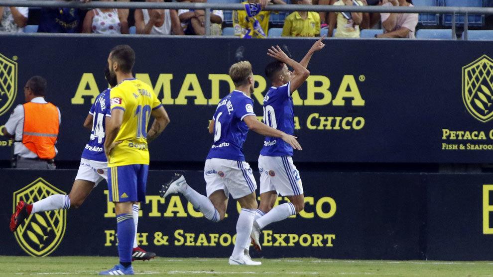 El Oviedo le arrebató dos puntos al Cádiz en el Ramón de Carranza.