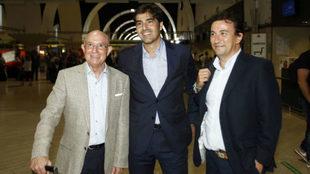 López Catalán, a la derecha, junto a Serra y Haro.