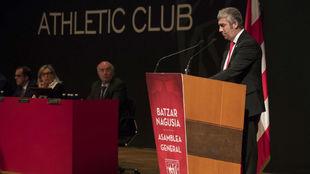 Urrutia, durante el discurso en la asamblea del Athletic de la...