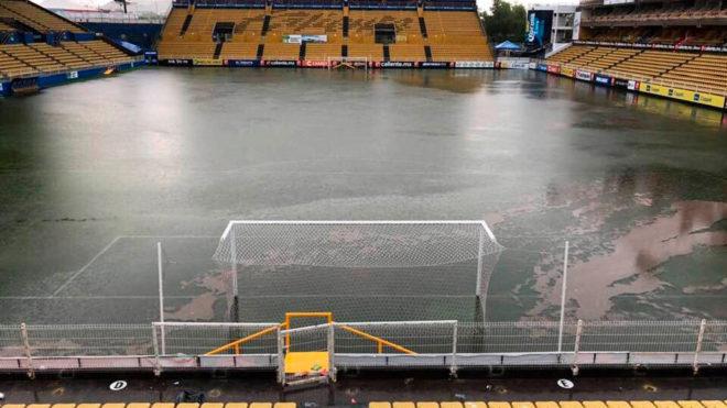 Se inundó el estadio donde dirige Maradona