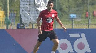 Pablo Marí entrenándose con el Deportivo de La Coruña.