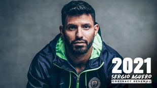 Foto oficial de la extensión del contrato de Aguero hasta 2021