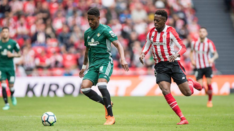 Junior y Williams, en el último duelo entre Athletic y Betis