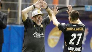 Maradona, en su debut como DT de Dorados de Sinaloa