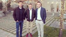 Los tres hermanos Ñíguez posando para MARCA en Elche hace dos años:...