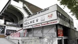 Un lateral del Estadio de Vallecas.