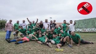 El equipo de Los Espartanos posa para MARCA tras su entrenamiento en...