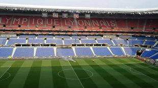 Vista interior del Groupama Stadium.