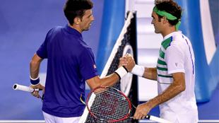 Djokovic y Federe compartirán el mismo lado de la cancha de tenis en...