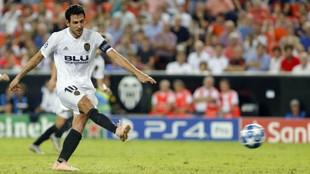 Parejo, en el momento de lanzar el penalti contra la Juventus