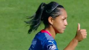 Diana Evangelista celebra el gol mil de la Liga MX Femenil
