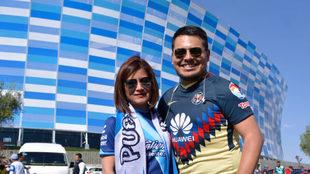 Afición del Puebla y América en el Estadio Cuauhtémoc