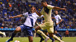 Partido entre Puebla y América en el Estadio Cuauhtémoc