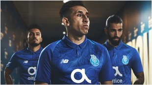 Héctor Herrera, con la camiseta del Porto.