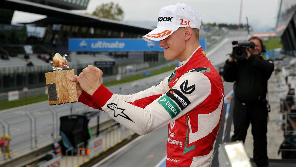 Mick Schumacher celebra su décima victoria del año y quinta...