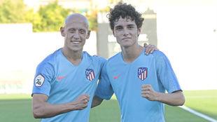Víctor Mollejo y Sergio Camello, tras el triunfo ante el...