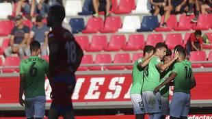 Los jugadores del Almería celebran el gol de Juan Carlos Real en Los...