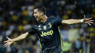 Cristiano celebra su gol al Frosinone.