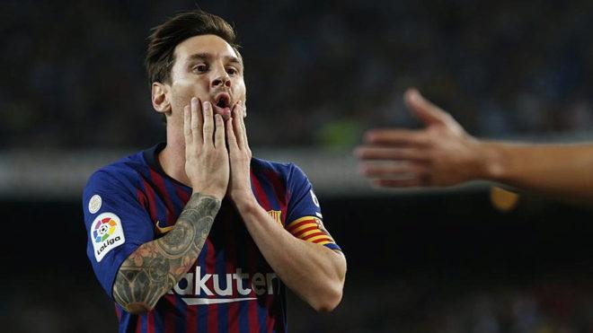 Barcelona's Argentinian forward Lionel Messi gestures.