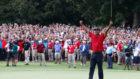 Tiger Woods celebra la victoria en el Tour Championship