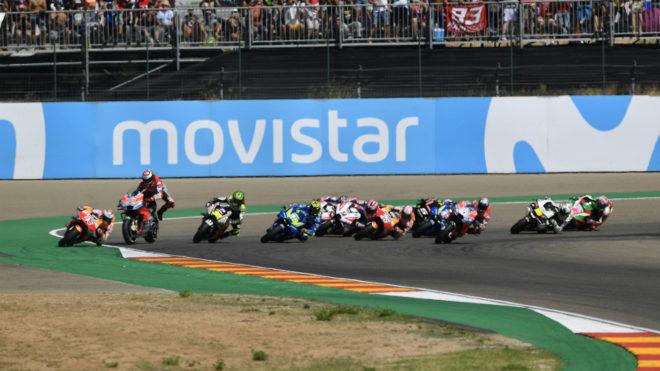 Instante en el que Lorenzo sale despedido de su moto.