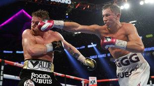 'Canelo' Álvarez y Golovkin, durante un momento del combate