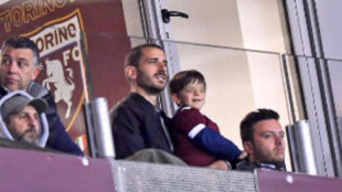 Bonucci, con su hijo en el campo del Torino.