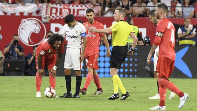 Marcelo breaks down.