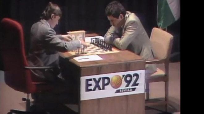 Anatoli Karpov y Gari Kasparov, en un momento de la partida.