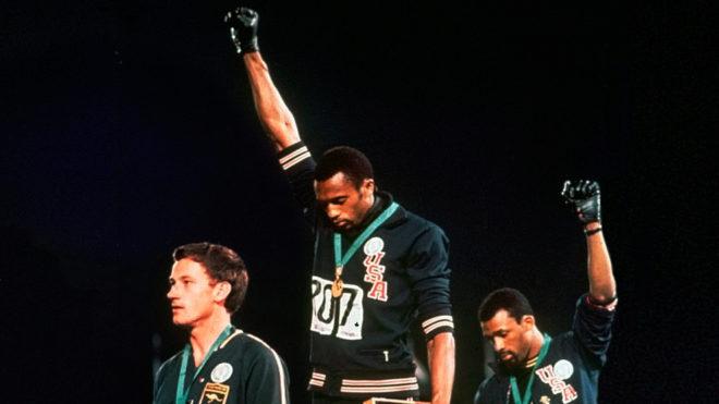 Deportistas que enfrentaron el racismo > Muhhamad Ali