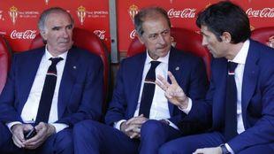 Amorrortu, entre Iribar e Imaz en la última visita del Athletic al...