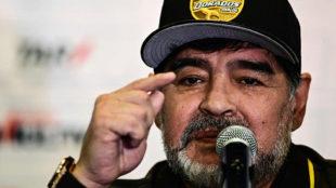 Maradona, en una rueda de prensa.