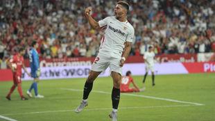 André Silva celebra un gol al Real Madrid.