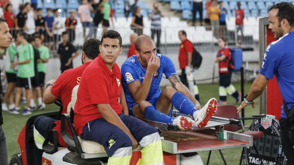 Villanueva es retirado en camilla en los Juegos Mediterráneos.