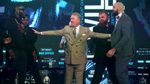 Wilder y Fury se pusieron en pie y acabaron encarados