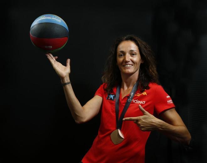 Laia Palau posa en MARCA con la medalla de bronce en el Mundial