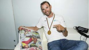 Alejandro Valverde, con la portada de MARCA de su oro mundial