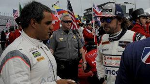 Alonso habla con Montoya.