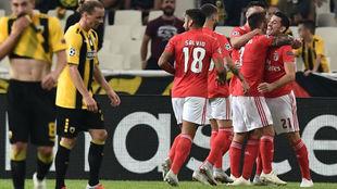 Los jugadores del Benfica celebrando uno de los goles.