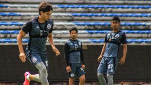Mauro Laínez durante un entrenamiento con Lobos BUAP